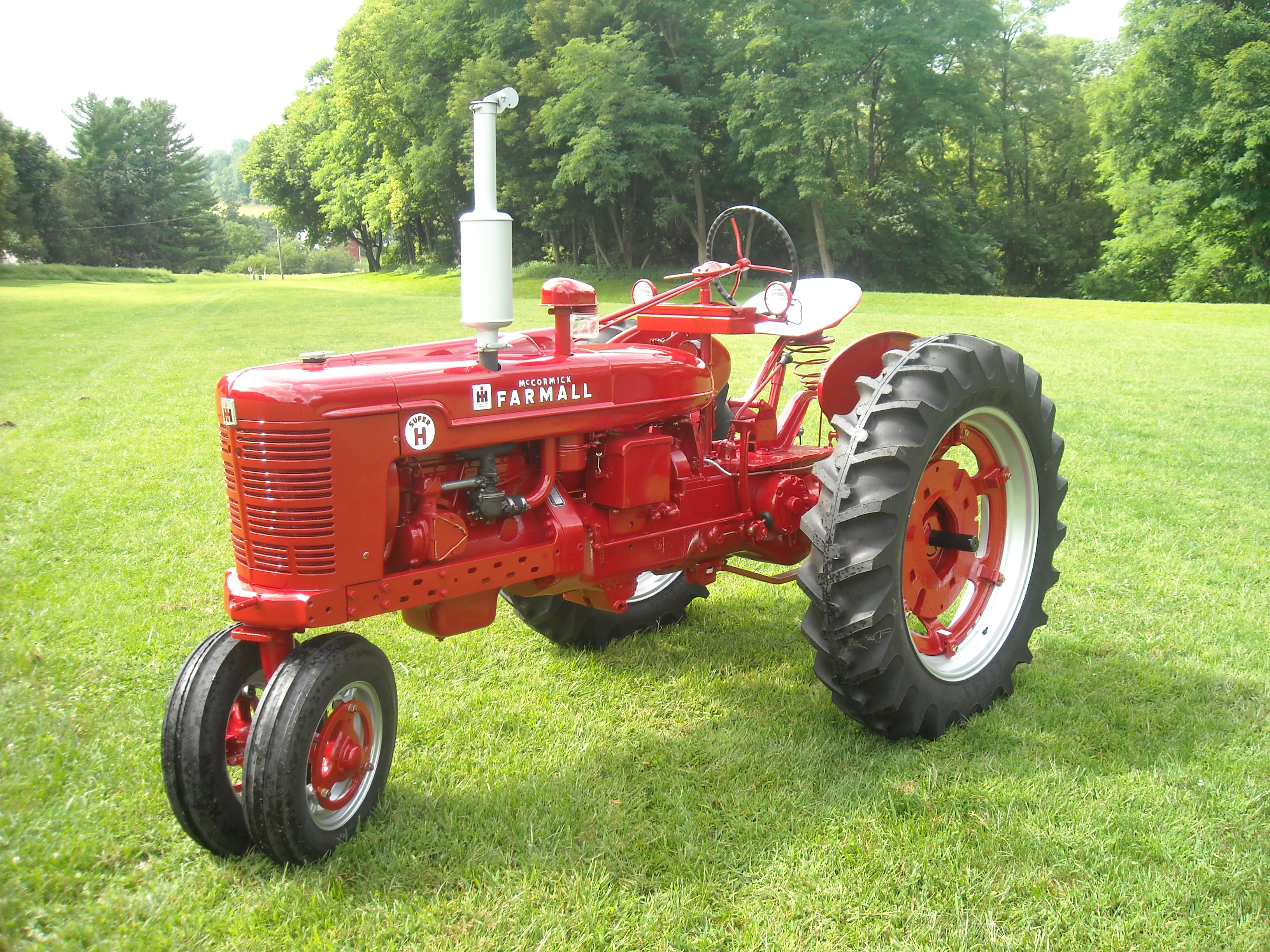 Farmall International Archives Page 22 Of 48 Antique Tractor Blog Wiring Harness Fellow Enthusiast And Steiner Parts Customer Riley Hanson Has Asked For Our Vote On His 1953 Super H In This Years Cheveron Delo