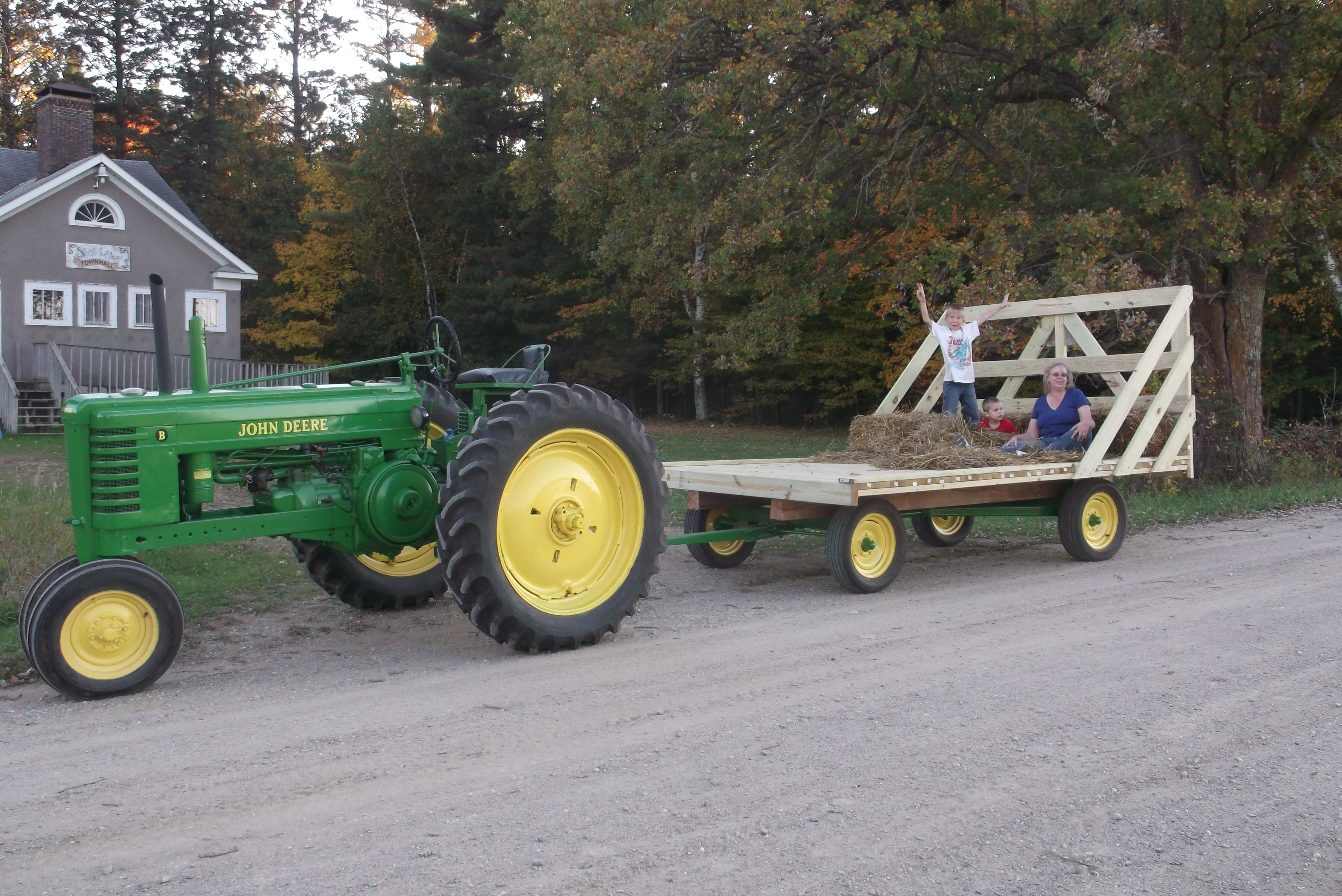 Tractor Pulled Wagon : John deere pull along wagon the