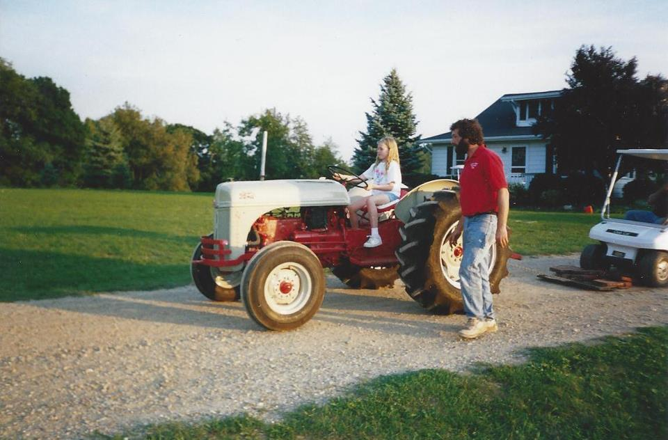 Tractor Pulling Parts : Antique tractor restoration clubs
