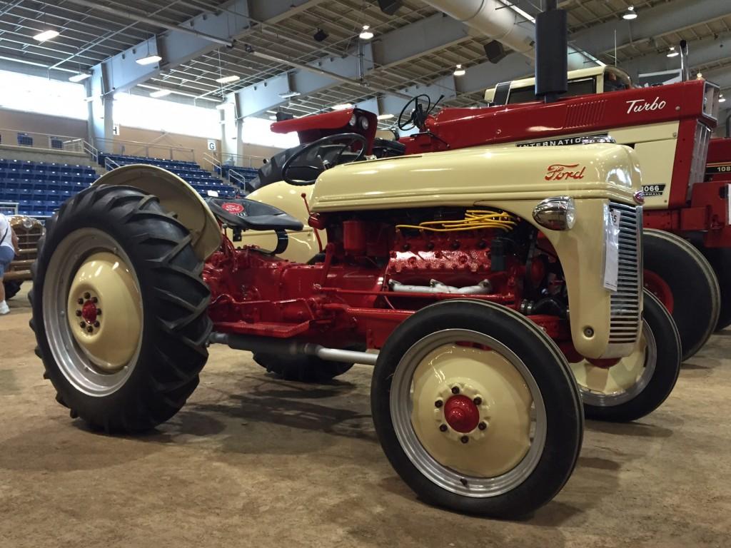 Ford 8N V8 engine