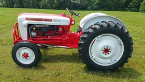 Check out this Ford 871 Select-O-Speed - Antique Tractor Blog