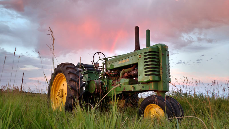 november-featured-tractor