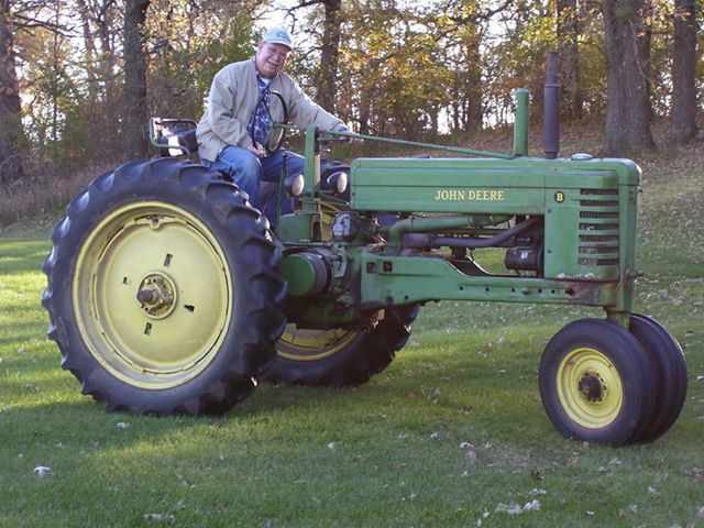 John Deere B – Dad's Good Buy